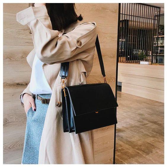black shoulder handbag purse fall winter wardrobe